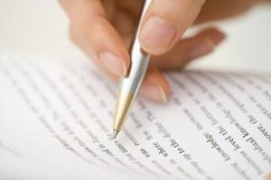 ボールペンで紙に字を書く