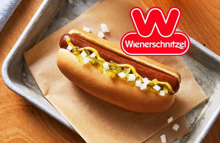 VegNews.WienerschnitzelVeganDog2