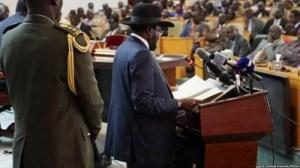 South Sudan President Kiir speaks to parliament in 2015 (Fie photo)