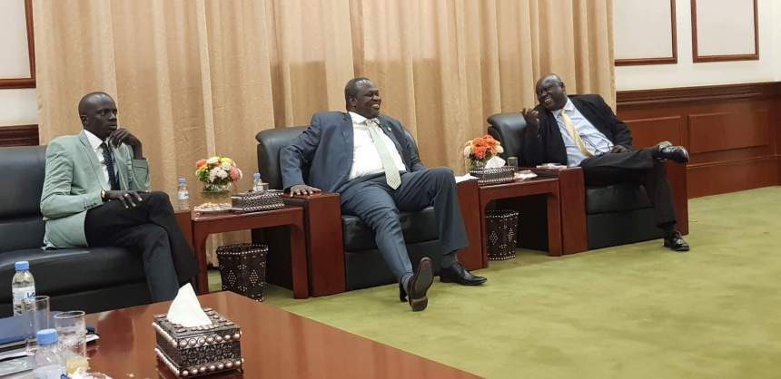 SPLM-IO Chairman, Dr. Riek Machar Teny, and the SPLM-IO Chairman of National Committee for Foreign Relations, Hon Stephen Par Kuol and the SPLM-IO Youth League Chairman Puot Kang Chuol sitting in the Sudanese Presidency to meet President Salva Kiir (Photo: File/Supplied/Nyamilepedia)