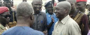 Eastern Lakes state governor Mangar Buong, in blue, meets his Jonglei state counterparts Maker Thiong, right (File/Supplied/Nyamilepedia)