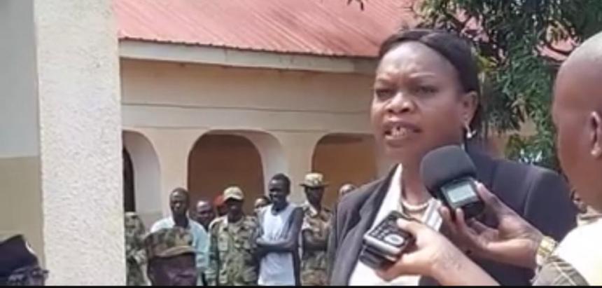 South Sudan governor of Western Bahr el Ghazal state Sarah Cleto speaking during a visit to Grinti neighborhood in Wau (Photo by Nyamilepedia)