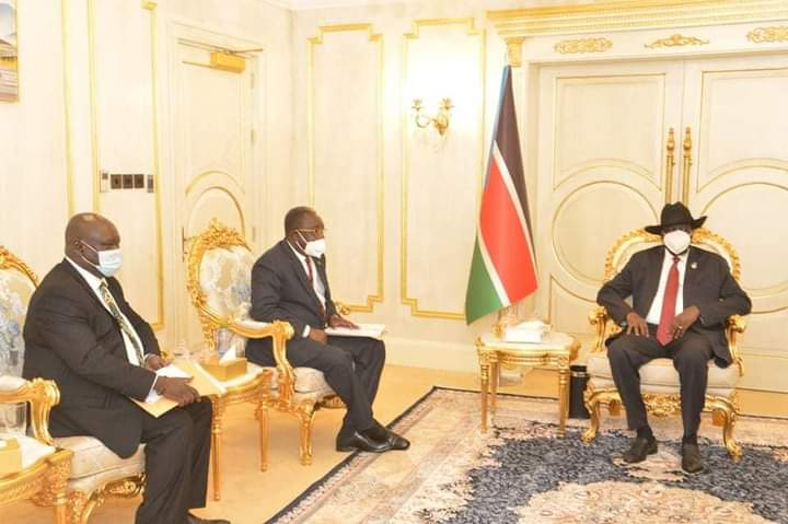 President Salva Kiir, Cabinet Affairs Minister Martin Elia and Stephen Par Kuol, Minister for peace building meet at J1 on Friday, Sep 25 2020(Photo credit: office of the president/Nyamilepedia)