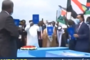 Sudanese leaders showing off the new peace agreement they signed in Juba, South Sudan(Photo credit: file/Nyamilepedia)