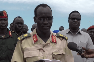 Maj.Gen. Nhial Tot Thoar who defected from Paul Malon's SSUF/A and declared his allegiance to SSPDF speaking to media from Bentiu(Photo credit: courtesy image)