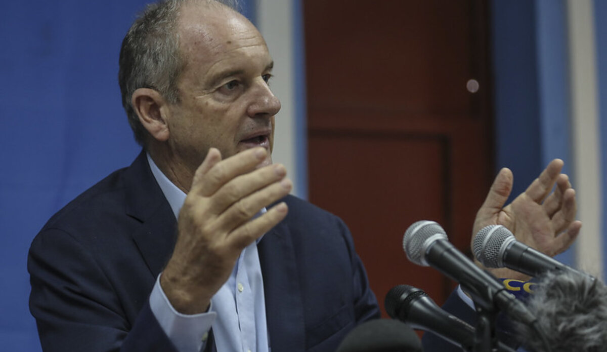 Special Representative of the UN Secretary General, David Shearer, addressing the media in South Sudan(Photo credit: courtesy image/UNMISS)