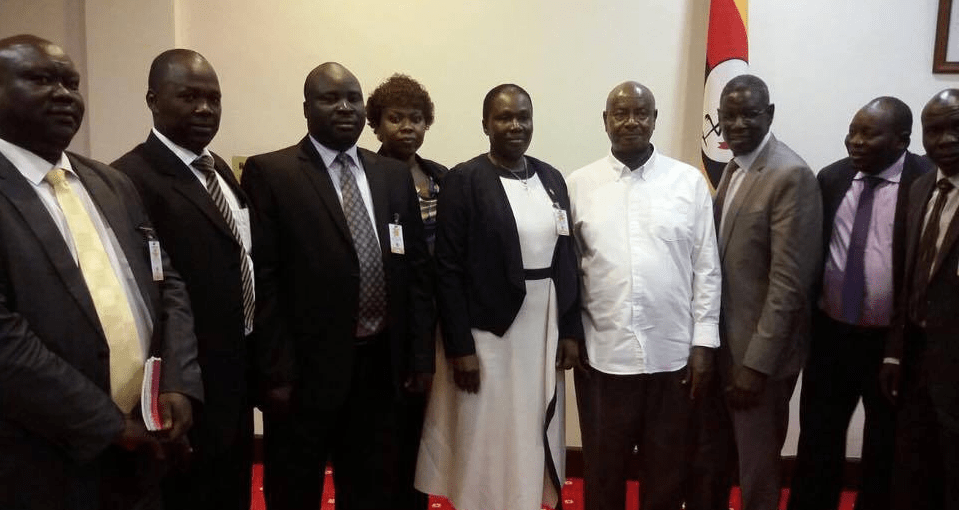Dr. Oyet Nathaniel Pierino and other senior SPLM/A-IO officials posting for a picture after meeting president Yoweri Museveni(Photo credit: supplied)