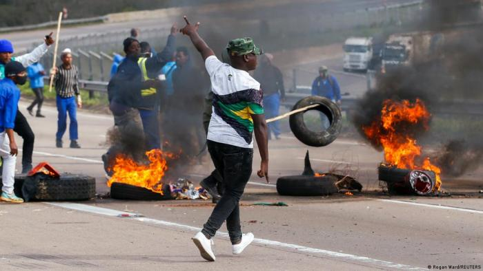 BREAKING: Violence engulfs South Africa. Shops looted, buildings burned