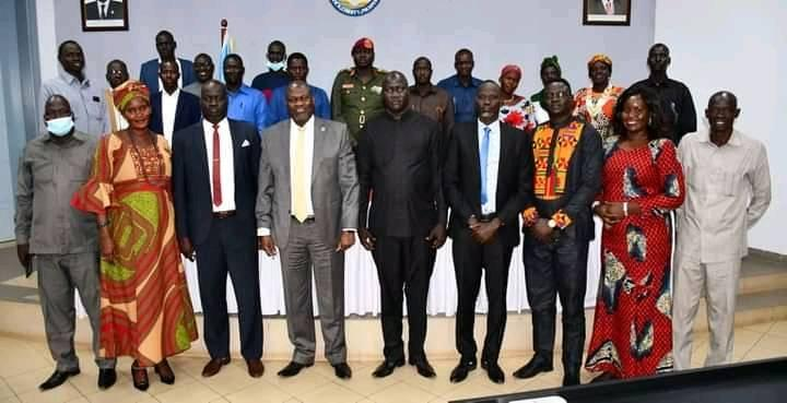 Dr. Riek Machar Teny meeting with the commissioner of Ayod County and Ayod leaders on July 5, 2021(Photo credit: supplied)