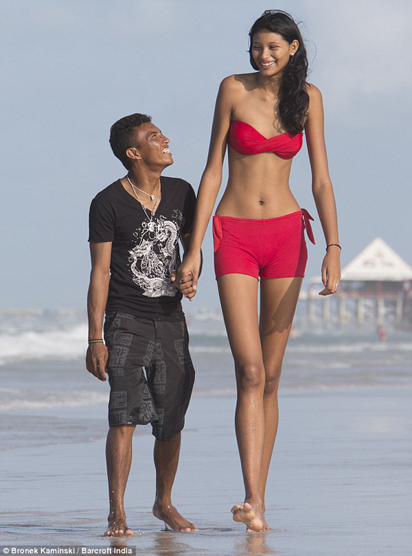 Miss Silva is 6'9″ tall, making her the tallest girl in the world.