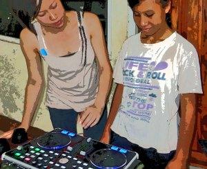 Rocking to Bronx hip-hop, Sharon Yeap & Daisy