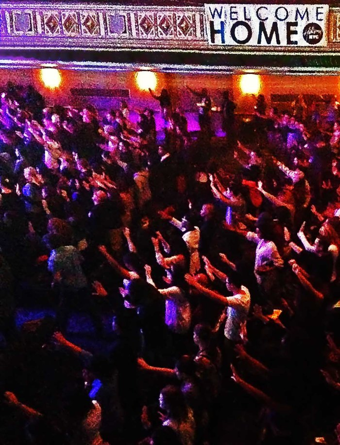 Total body involvement @Hillsong NYC. Photo: Pauline Dolle/A Journey through NYC religions