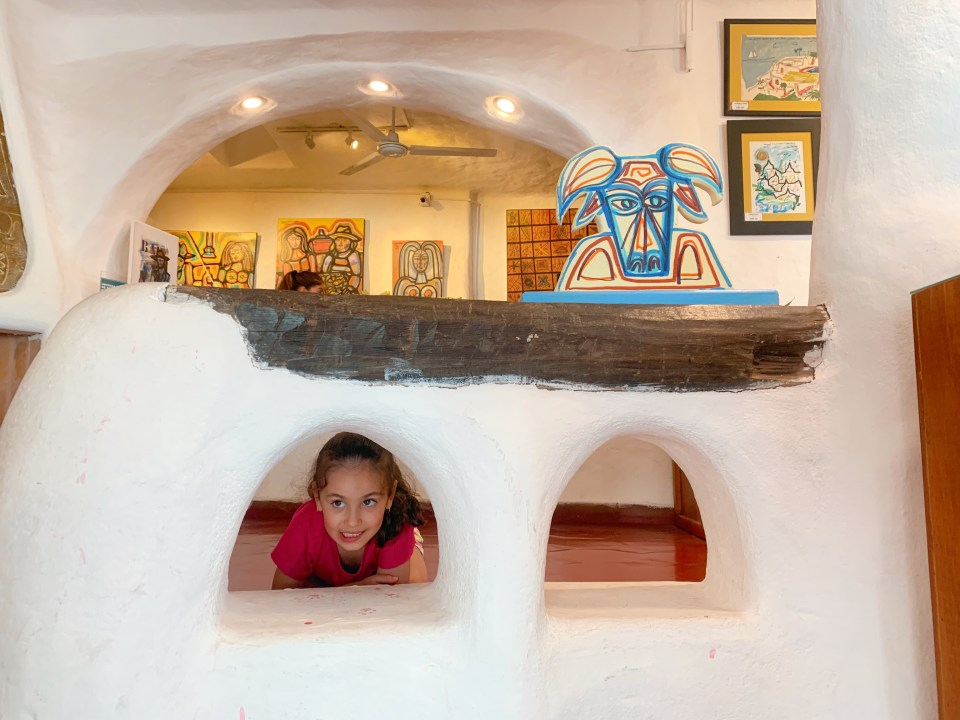 Traveling with kids to Uruguay? Take a day trip to Casapueblo with kids -- it's a cultural experience not to be missed!