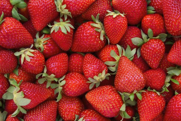 Strawberries How to Whiten Your Teeth