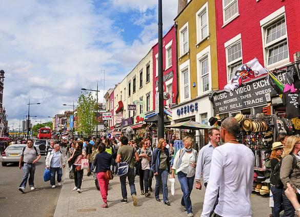 Image des magasins à côté de Camden Market à Londres