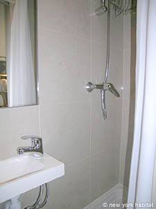 Paris Studio apartment - bathroom (PA-3563) photo 1 of 3
