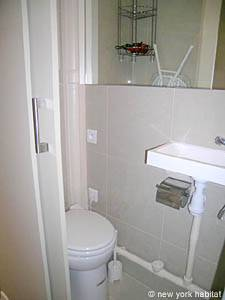 Paris Studio apartment - bathroom (PA-3563) photo 3 of 3