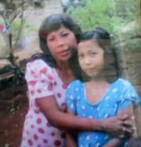 Yuyun äitinsä kanssa