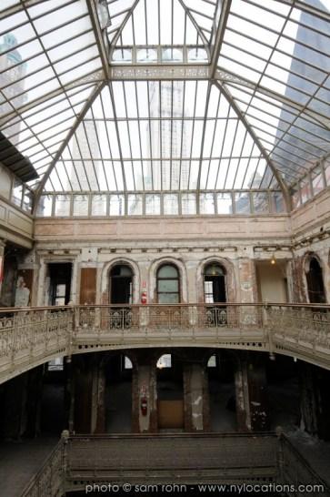 abandoned-atrium-007