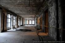 abandoned-atrium-014