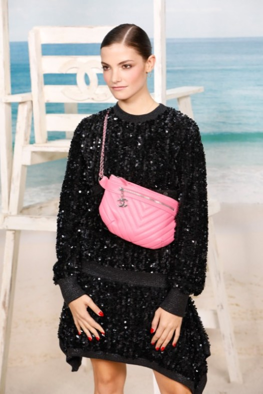 The Belgian artist, CLAIRE LAFFUT, wore a sequins black dress, from the Fall-Winter 2018/19 Ready-to-Wear collection. CHANEL shoes & bag. CHANEL Makeup