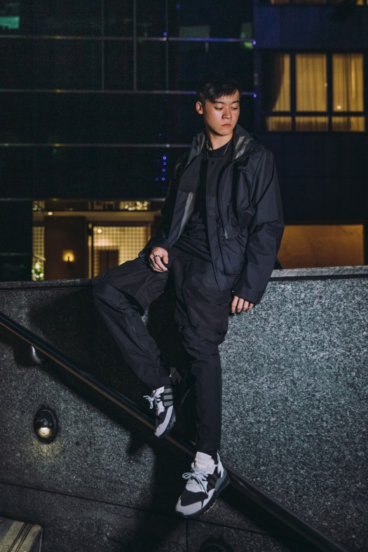 ACMON Gore-Tex Jacket + Pants and Nite Jogger in black colourway