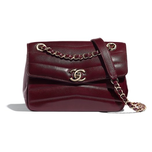 Burgundy bag in crumpled shiny leather