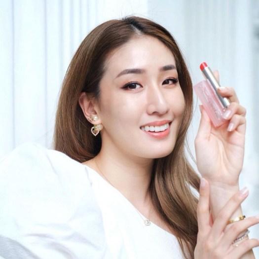 Kimberly Wang wearing 025 Seoul Scarlet