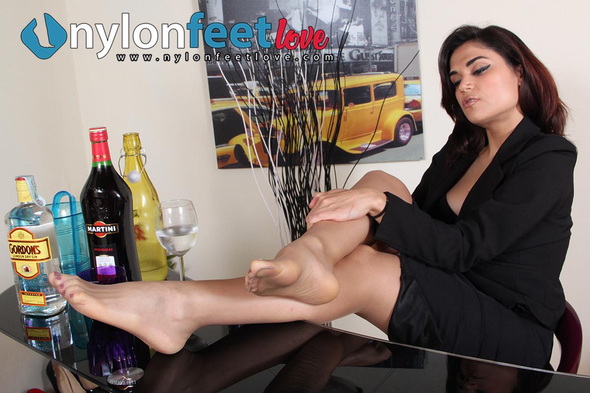 nylon feet-Chiara-pantyhose