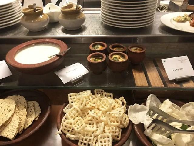 Welcom Hotel ITC Hotel bengaluru - buffet crunch