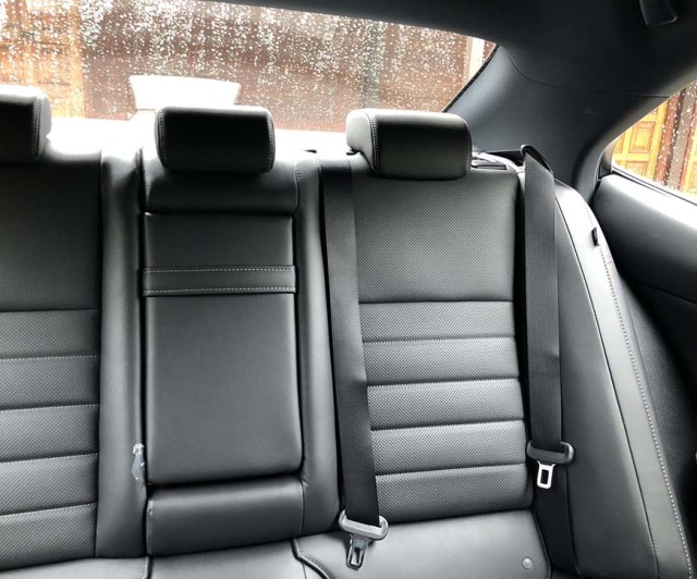 oakhurst ca lodge and cabin rental - lexus console backseat