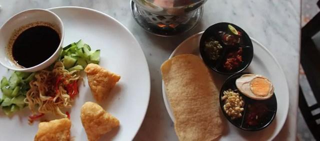 1 bali culinary street food tour seminyak fishcakes