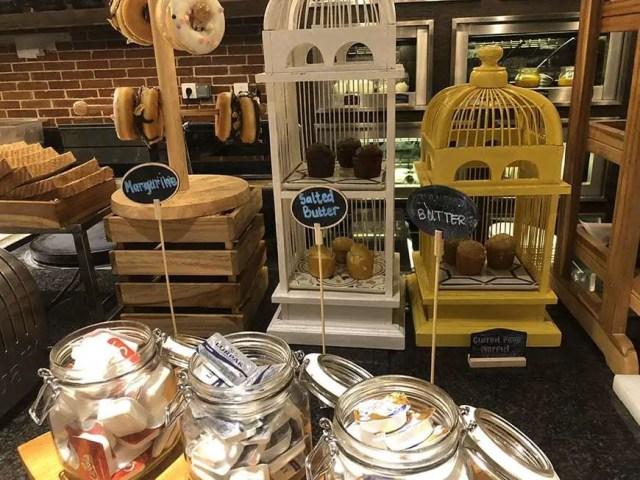 hotel indigo bali seminyak beach - buffet cheese