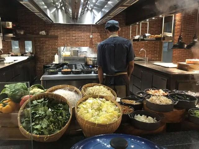 hotel indigo bali seminyak beach - buffet noodle bar