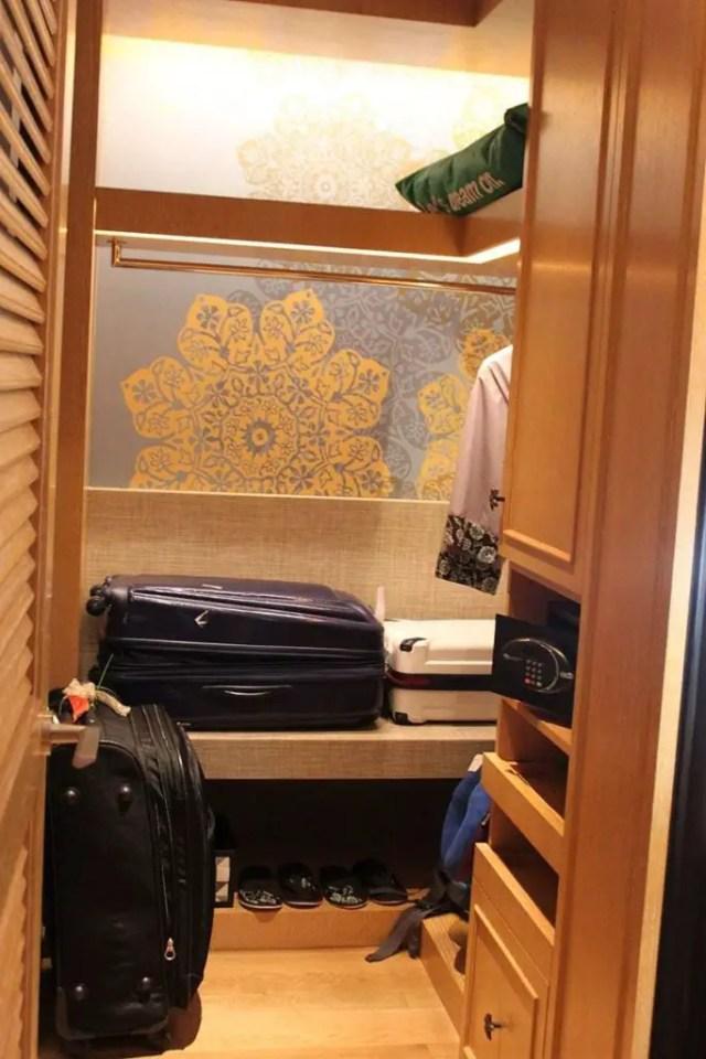 hotel indigo bali seminyak beach - closet