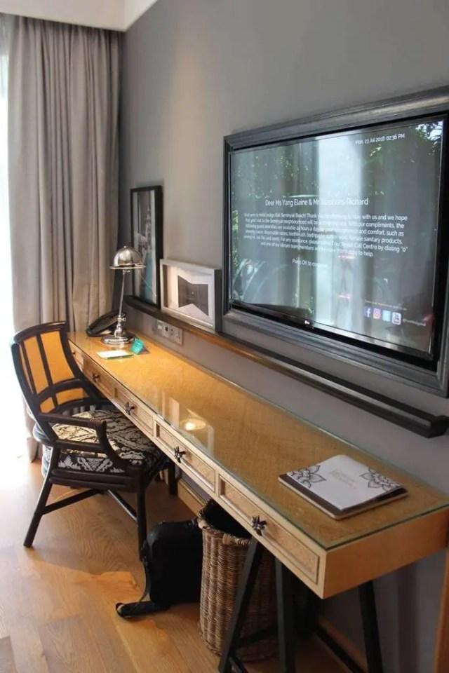 hotel indigo bali seminyak beach desk