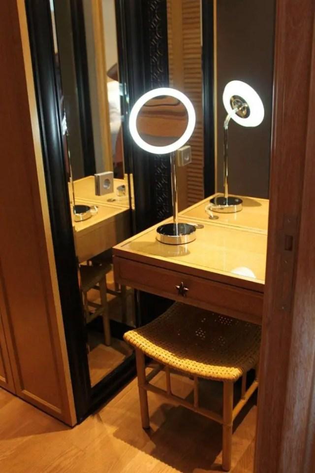 hotel indigo bali seminyak beach - nightstand