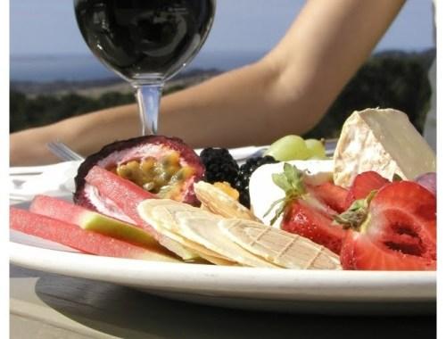 mariel-chua-nyminutenow-wine-and-cheese-caption