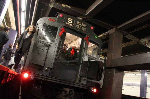 Holiday Nostalgia Train of R1/9 Cars, 2013