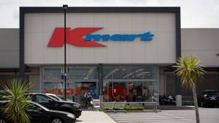 Covid 19 coronavirus: Kmart customer waits about eight hours on the phone for Healthline advice