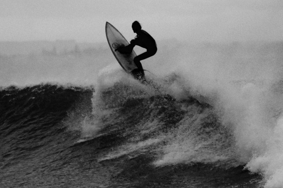 難しいサーフィンを諦めずに続けて上達する方法