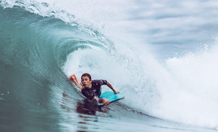 立たなくても波に乗れるのがサーフィン