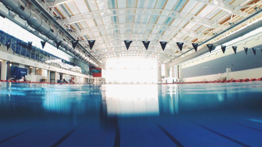 プールで泳げる人はパドルアウトができる