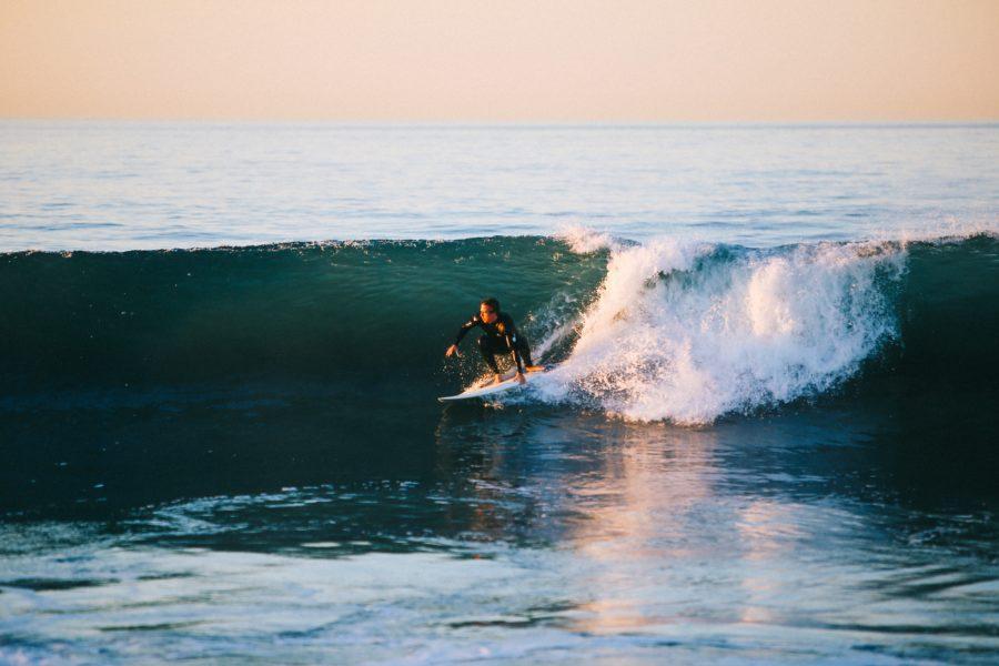 ガニ股サーファーは最も恥ずかしい間違ったサーフィンの体勢