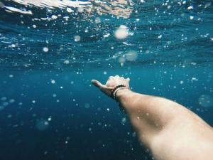 初心者が安全にサーフィンを楽しむために知っておくべきこと9選