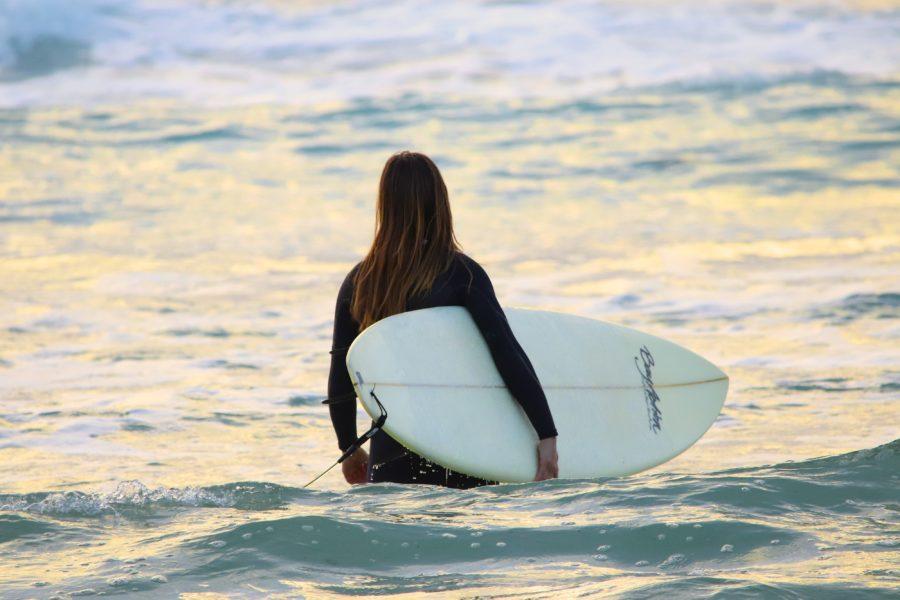 ひとりでサーフィンを始めるとたくさんの新しい仲間ができる
