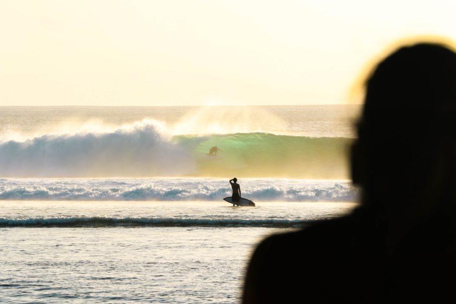 サーフィンの世界は実力世界。挑戦する気持ちを持たなければ波には乗れない