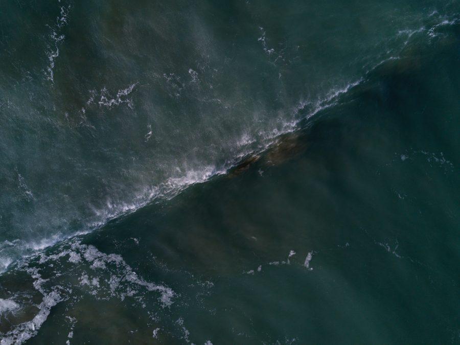 泳げないのにサーフィンを始めると命の危険がある