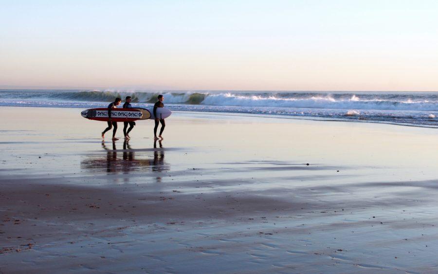 サーフィンを諦めずに教え続ければ一緒にサーフィンができるようになる