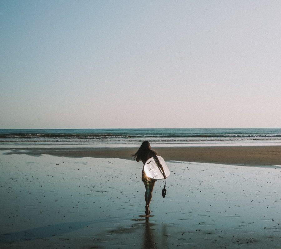 サーフィンを始めたら仲間や友達はすぐにできる